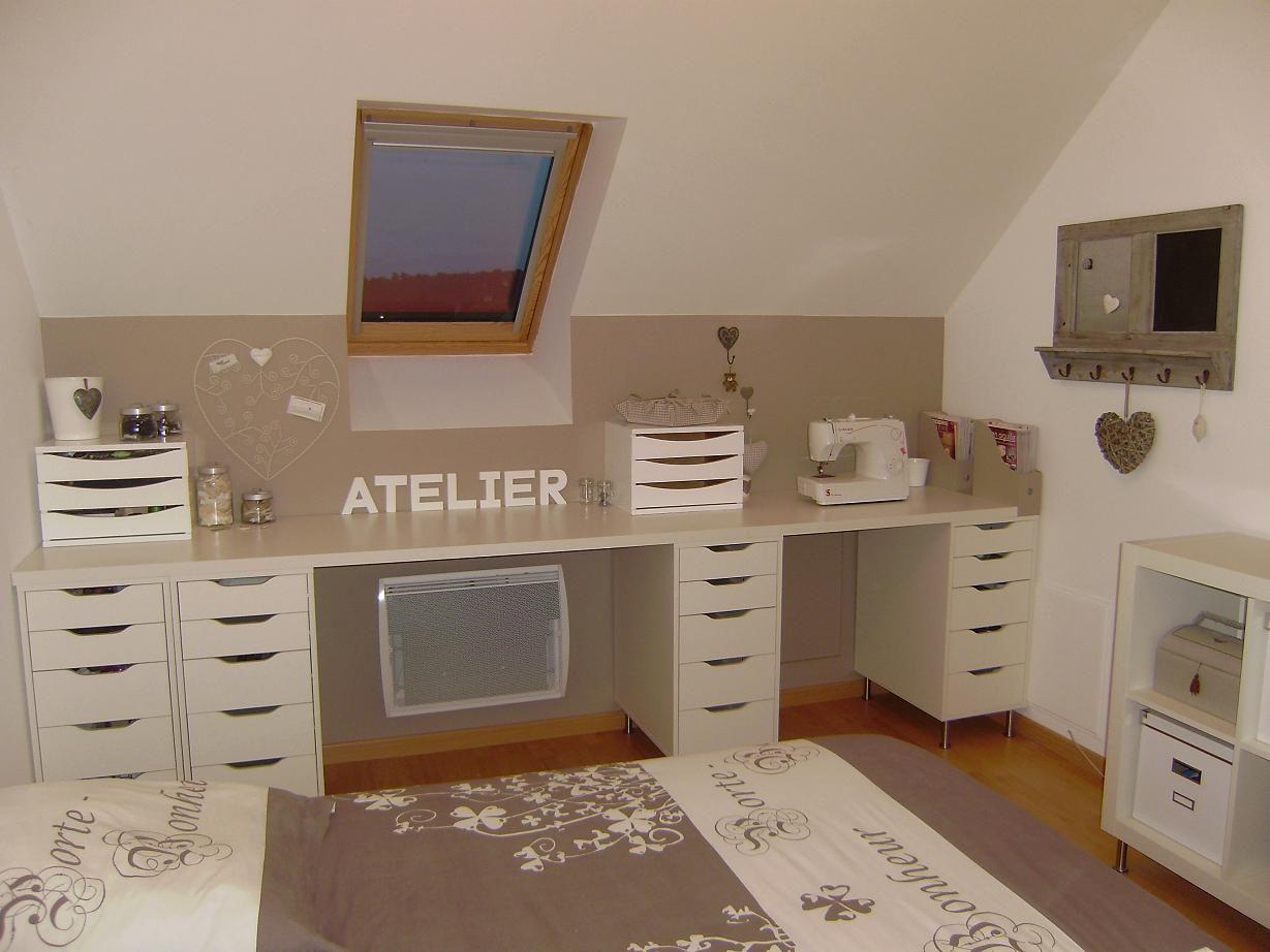 Salle d'artisanat dans le grenier. Combien je voudrais petit coin Atelier