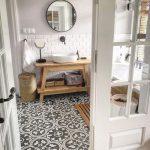 Salle de bain avec carrelage effet ciment Decor #salle de bain # carrelage ...