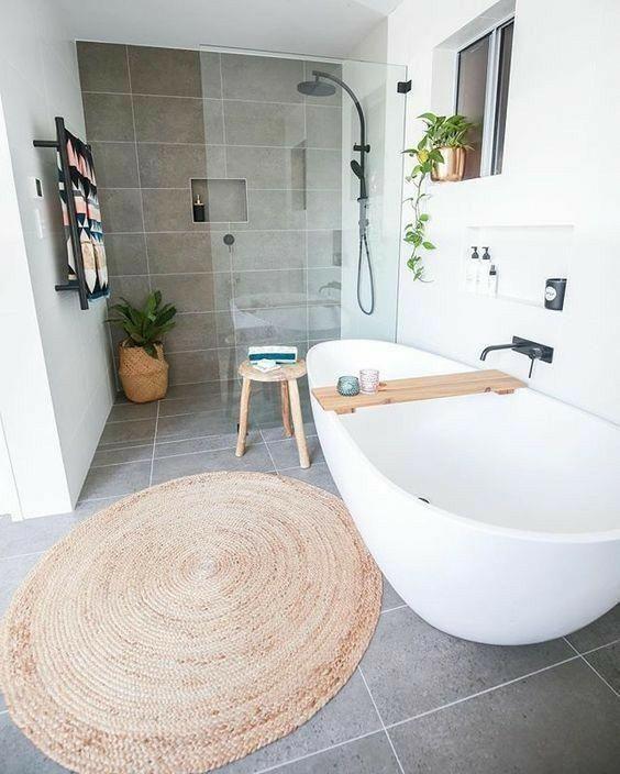 Salle de bains / Salle de douche / Bathroom / Shower #BathroomShowerModern