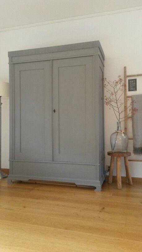 """Si heureux avec notre """"nouvelle vieille garde-robe"""" – #alten # heureux #gris #avec …"""