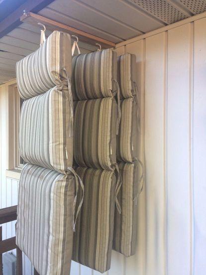 Solution de rangement pour coussins de chaise DIY