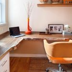 Table d'angle en bois naturel très attrayant bureau à la maison couleurs douces
