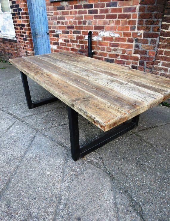 Table de salle à manger industrielle chic en vieux bois pour 10-12 personnes – Mobilier de bar-restaurant en bois massif sur mesure 473
