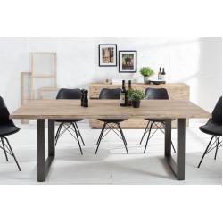 Tables de repas en bois massif