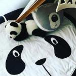 Tapis d'éveil moelleux panda.  Avec sa petite bouille interloquée, ce tapis d...