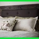 Tête de lit en bois noir >> Tête de lit simple rembourrée | Tête de lit en bois bricolage moderne | Refur ...