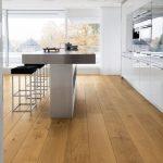 Une cuisine pour rêver! La planche de bois franc Plaza Eiche Markant prête ...