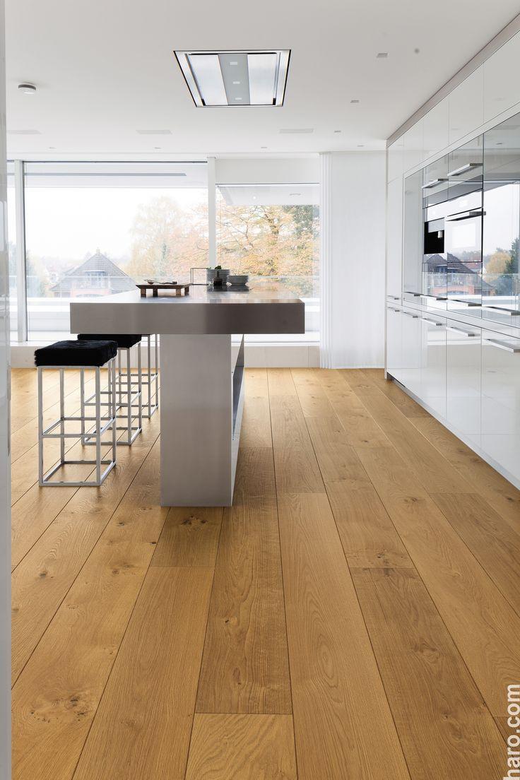Une cuisine pour rêver! La planche de bois franc Plaza Eiche Markant prête …