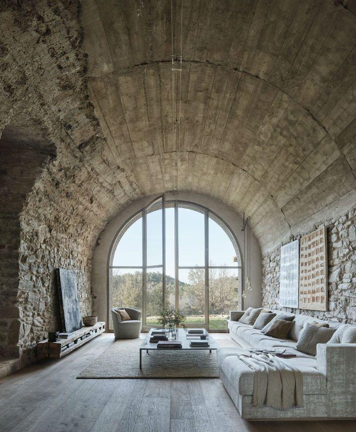 Une ferme espagnole centenaire transformée en une superbe maison