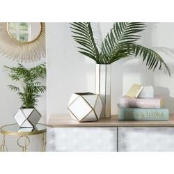 Vases et vases à fleurs réduits