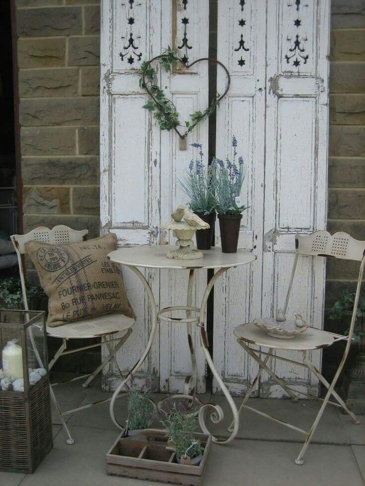 Wow, amour et décoration de jardin confortable …