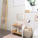 Zone Cosimas dans la salle de bain avec 18 mois (partie 2): toilette, lavabo et Bedezubehör