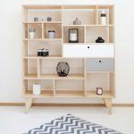 grande. Bibliothèque / bureau en contreplaqué avec tiroirs