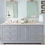 salle de bain principale avec deux lavabos, vanité, armoires grises #bathroomvanity