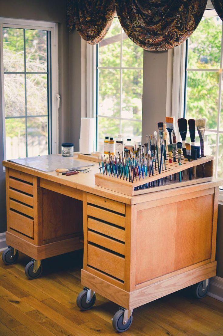#toolsofthetrade #artstudio #arttable #studiowishlist #craftsathome