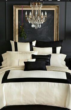 une chambre noir, or et blanc – #blanc #chambre #noir #une
