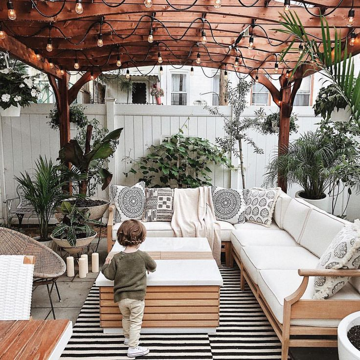 18 Ideas for Styling Outdoor Rugs