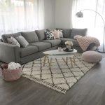 Graues und rosa Wohnzimmer - ist zu mir   - Living rooms - #graues #ist #living ...
